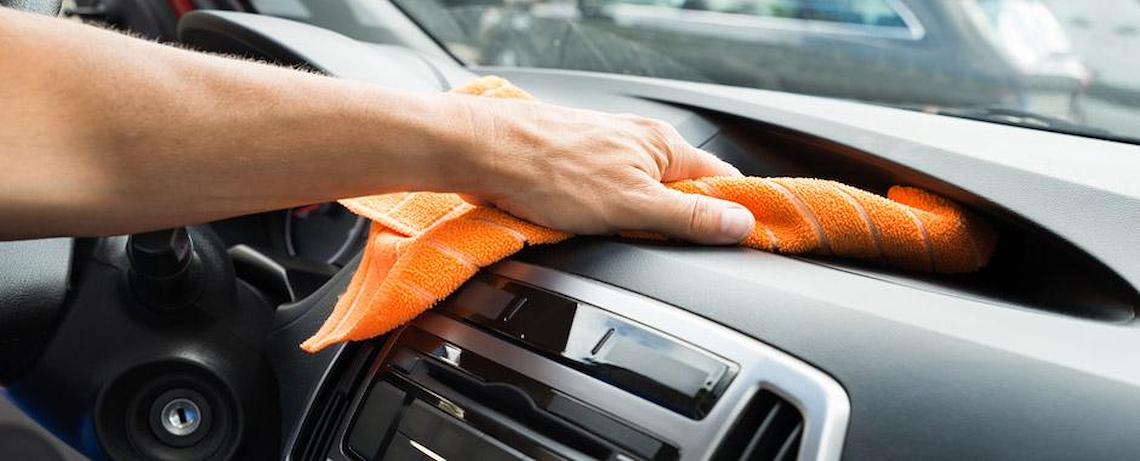 Come pulire l'interno dell'auto - La tua auto